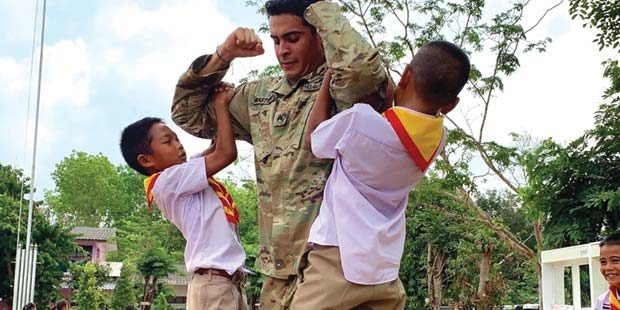 Reservist builds friendships at Thai school