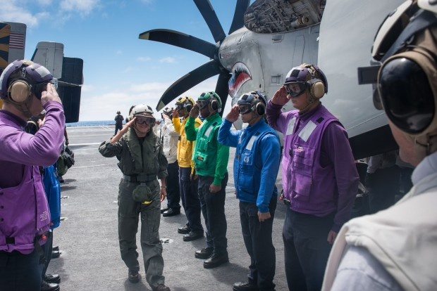 Third Fleet commander visits USS Stennis